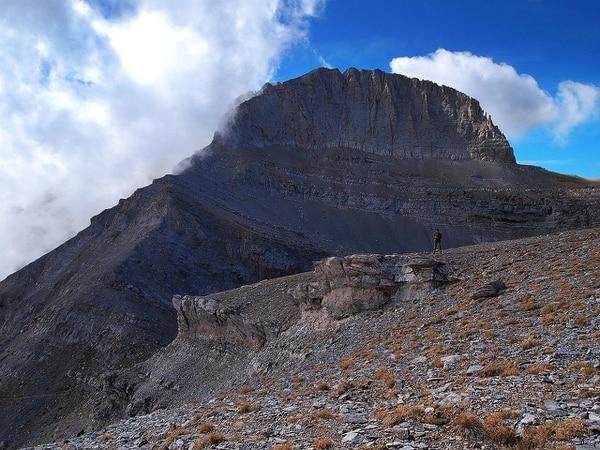 """La cumbre del monte conocida como """"el trono de Zeus"""""""