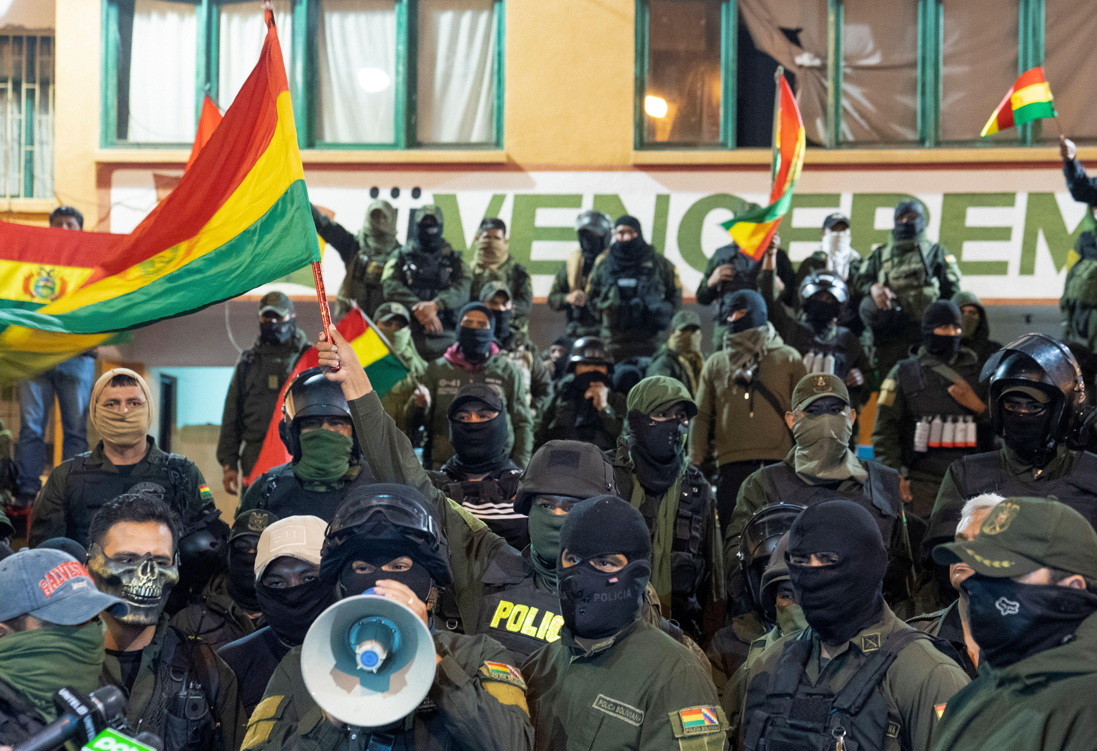Policías amotinados en Cochabamba, Bolivia (REUTERS/Danilo Balderrama)