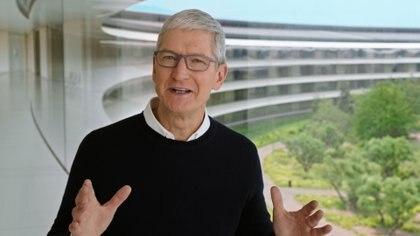 Tim Cook, CEO de Apple, durante la presentación (Apple Inc/Handout via REUTERS)