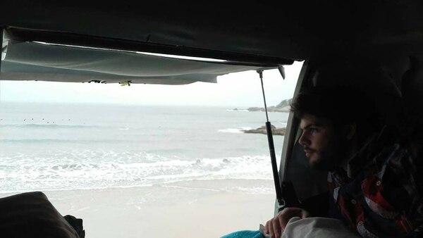 Francesco y el mar. Seirá a la India cuando finalice la temporada de verano (Infobae)