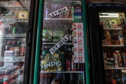 En algunas tienditas aún hay producto, pero no lo pueden vender (Foto: Cuartoscuro)