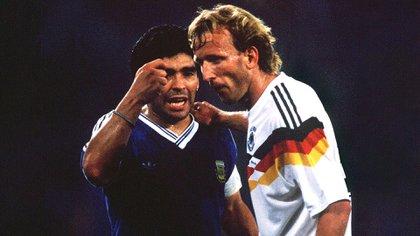 Los reclamos a Andreas Brehme, autor del gol de penal que le dio el triunfo a Alemania en la final
