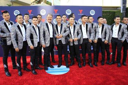 En la imagen, los miembros de la Arrolladora Banda El Limón. EFE/David Amador Rivera