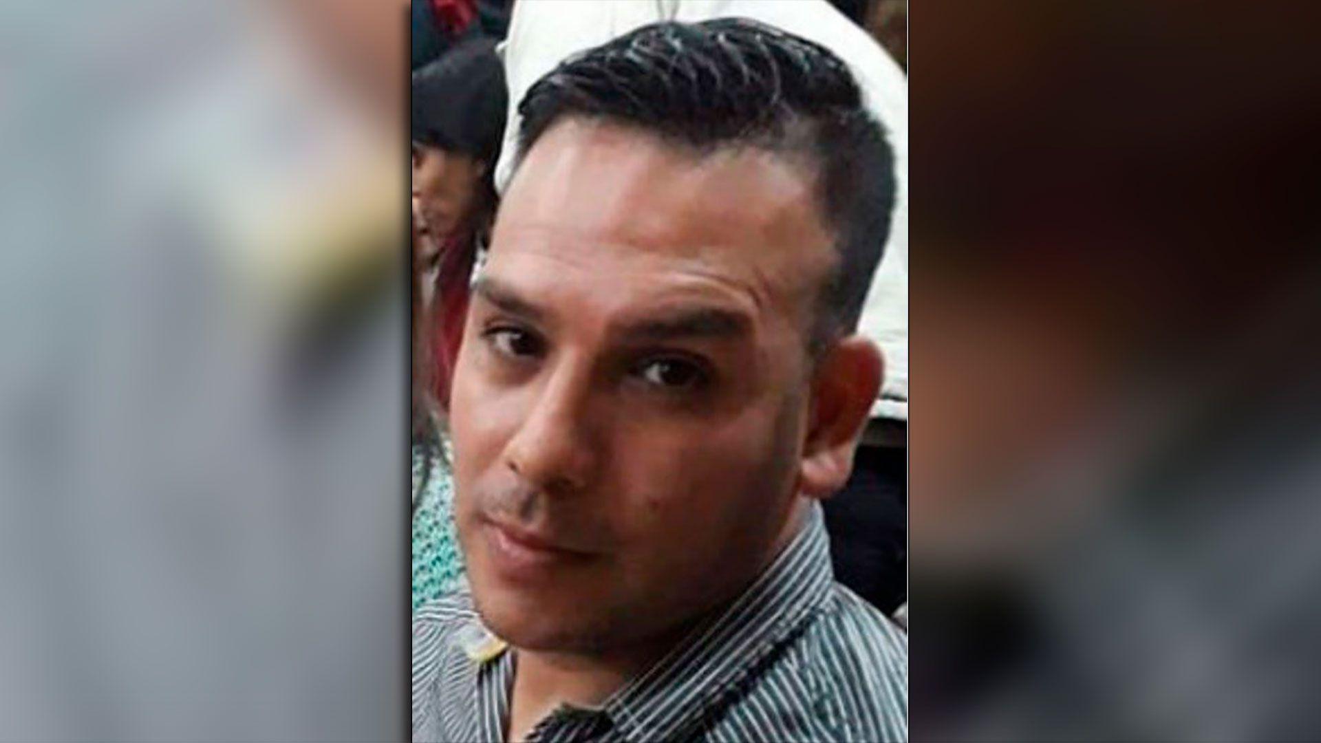 El oficial de la Policía de la Ciudad Esteban Ramírez