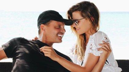 Luis Miguel se acercó a Michelle Salas hace algunos años cuando la joven admitió públicamente ser su hija, sin embargo, la convivencia fue momentánea (Foto: Archivo)