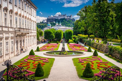 La musical ciudad de Salzburgo (Austria) encabeza el ranking de ciudades interesantes para descubrir en 2020. El Festival de Salzburgo cumple cien años y la localidad alpina lo celebrará por todo lo alto. Este festín anual de ópera, conciertos y teatro será más grandioso que nunca, acompañado además con exposiciones y eventos por todo el casco histórico