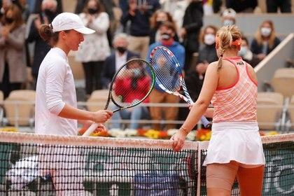 Iga Swiatek se impuso a Sofia Kenin por 6-4 y 6-1 en la final de la Roland Garros (REUTERS)
