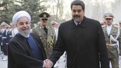 Los regímenes de Irán y Venezuela han incrementado su cooperación ante las sanciones internacionales