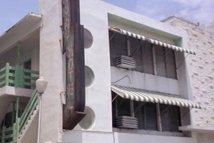 """La famosa escena de la motosierra de """"Scarface"""" fue la única que se rodó en Miami (Universal)"""