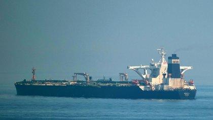 """El petrolero de grandes dimensiones Adrian Darya 1″, ex """"Grace 1 (AFP)"""