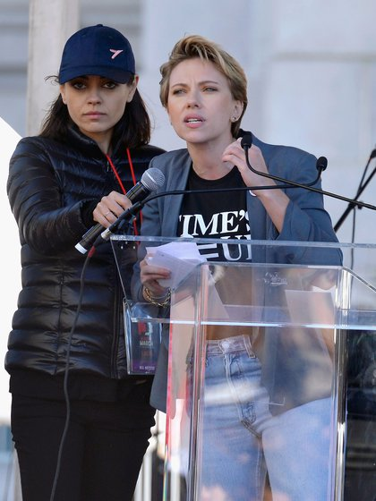 Scarlett Johansson ha sido muy activa en manifestaciones por los derechos de las mujeres (Photo by Chelsea Guglielmino/Getty Images)
