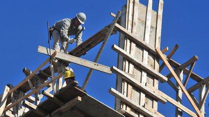 Aún en el contexto recesivo, la construcción ofrece una alternativa para darle curso a los ahorros.