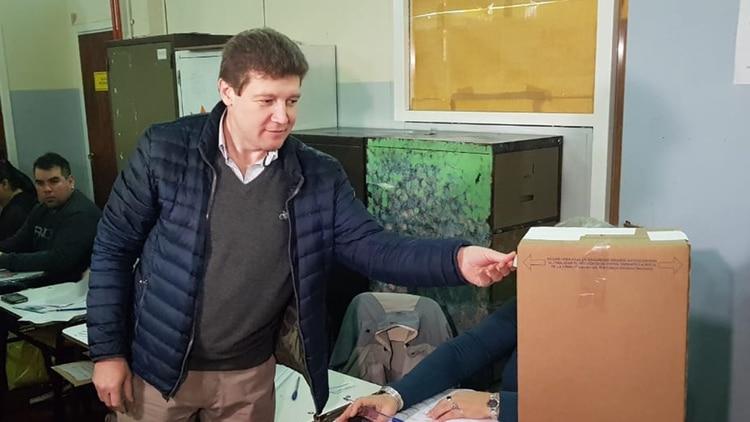 Gustavo Mellela enfrenta a la gobernadora peronista (Carolina Niklison)