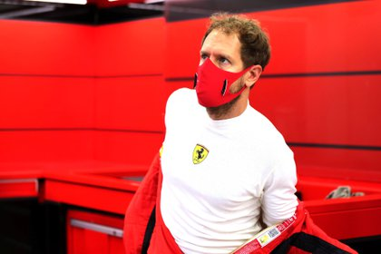 Formula One F1 - Sakhir Grand Prix - Bahrain International Circuit, Sakhir, Bahrain - December 4, 2020  Ferrari's Sebastian Vettel in the garage before practice  FIA/Handout via REUTERS ATTENTION EDITORS - THIS IMAGE HAS BEEN SUPPLIED BY A THIRD PARTY. NO RESALES. NO ARCHIVES