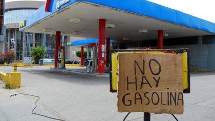 Venezuela sufre escasez de gasolina.