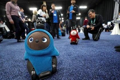 Los robots de compañía Lovot en la feria CES que se llevó a cabo en 2020 en Las Vegas (REUTERS/Steve Marcus)