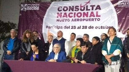 El equipo de López Obrador anunció la noche de este domingo el resultado de la consulta. (Foto: lopezobrador.org)