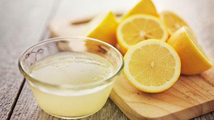 No es necesario desayunar unas gotitas de limón a la mañana (Shutterstock.com)