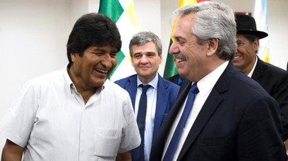 Evo Morales y Alberto Fernández, detrás el intendente Juan Zabaleta