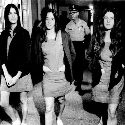 Las chicas del Clan: Leslie Van Houton, Susan Atkins, y Patricia Krenwinkel obedecían ciegamente a Charles Manson (Shutterstock)