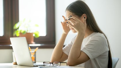 """Respecto al temor al contagio, una gran mayoría (81%) señala que está entre """"muy asustada"""" y """"un poco asustada"""" por contraer el Covid-19 (Shutterstock.com)"""