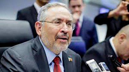 Ministro de Petroleo y presidente de PDVSA, Nelson Martínez, murió por no recibir atención médica a tiempo en la DGCIM