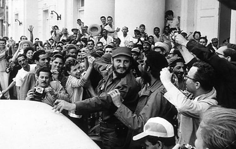 Fidel Castro aclamado