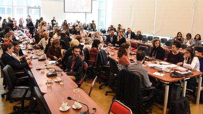 De los plenarios participaron algunas personalidades del espectáculo. Además, estuvieron representantes de distintas ONG y del Colegio de Veterinarios. (Fotografía HCDN / Gustavo García)