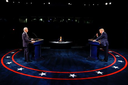 U.S. President Donald Trump speaks during the third and final presidential debate with Democratic presidential nominee Joe Biden at Belmont University in Nashville, Tennessee, U.S., October 22, 2020. REUTERS/Jim Bourg/Pool