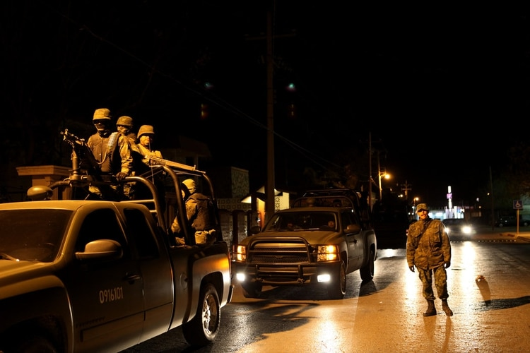 Militares en patrullaje en 2009. (Foto: Adriana Zehbrauskas)
