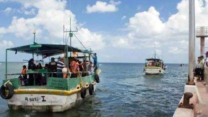 Las embarcaciones fueron despojadas de sus motores y equipo de geolocalización. (Foto: Facebook Telchac)