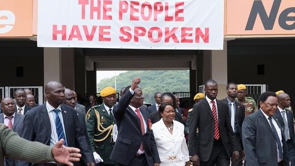 Emmerson Mnangagwa entra al Estadio Nacional de Harare para jurar como presidente de Zimbabwe (AFP)