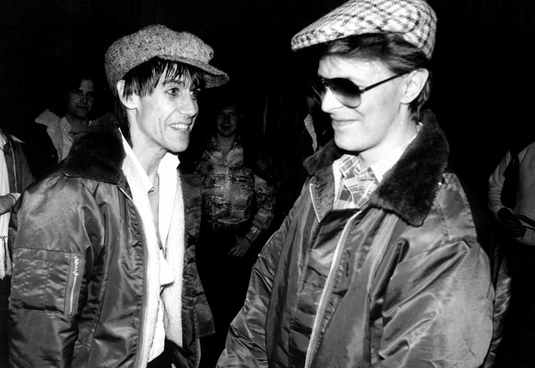 Iggy Pop y Bowie durante la gira de 'The Idiot', el gran disco del ex líder de The Stooges producido por el británico (Mediapunch/Shutterstock)
