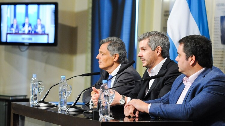 Cabrera, Peña y Triaca: los tres están trabajando para diseñar el nuevo gabinete nacional, si Macri gana las elecciones presidenciales.