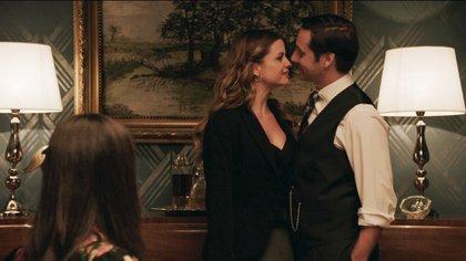 La actriz española interpreta a una estafadora que tuvo un affaire con Torcutao (Vicuña), a quien persuade porque se casó con Lucía (Chaves) (Crédito: Consuelo Oppizzi -Pol-ka)