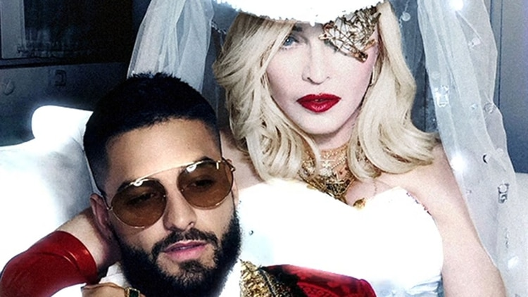 A horas de cumplir 61 Madonna presume su flexibilidad