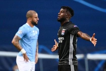 Maxwel Cornet abrió el marcador en el partido entre Olympique Lyon y Manchester City en Lisboa (REUTERS)