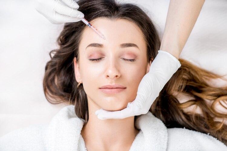 Los rellenos faciales según una experta volverán de forma escalonada luego de la cuarentena (Shutterstock)