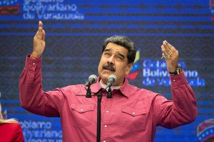 El presidente venezolano, Nicolás Maduro, pronuncia un discurso tras la votación en Caracas (Venezuela) el 6 de diciembre de 2020.  EFE / Rayner Peña