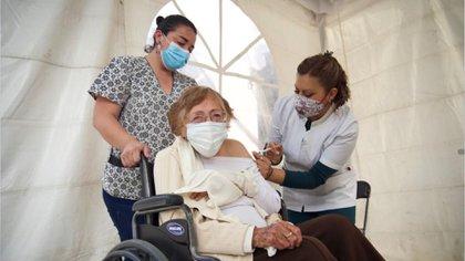 La campaña de vacunación contra la COVID-19 comenzó el pasado 15 de febrero (Foto: Cuartoscuro)