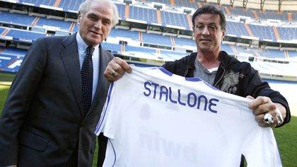 Ramón Calderón y una foto con el actor norteamericano Sylvester Stallone en el Santiago Bernabéu (EFE)