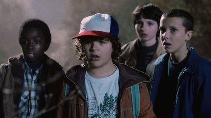 Los jóvenes protagonistas de la serie de Netflix 'Stranger Things' , Finn Wolfhard, Gaten Matarazzo , Caleb McLaughlin y la revelación de Millie Bobby Brown