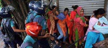 De acuerdo con defensores de los derechos humanos en bangladesh, las violaciones en grupo han aumentado en el país (Foto: Reuters)