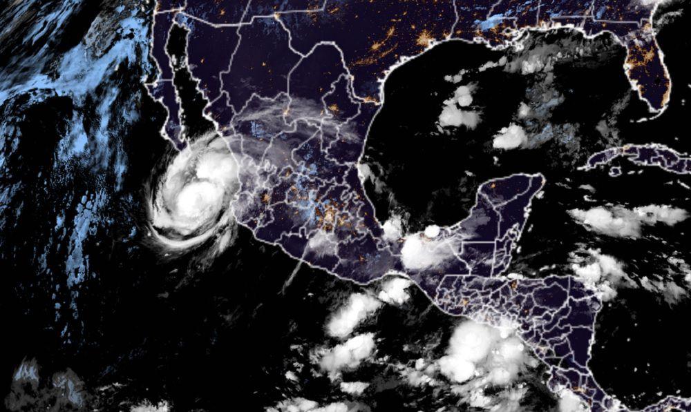 tormenta-tropical-ciclon-huracan-olaf-Mexico-Jalisco-Baja-California-Sur
