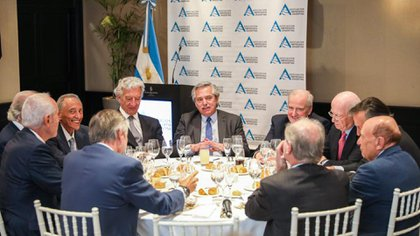 Los integrantes de AEA en un almuerzo con Alberto Fernández, en diciembre pasado