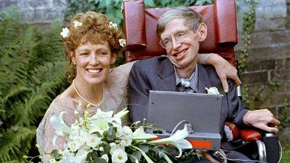 Con su segunda esposa Elaine Mason en 2012 (Reuters)