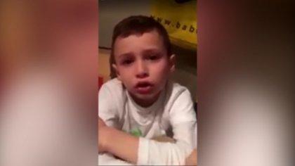 Charlie contó su historia en un video