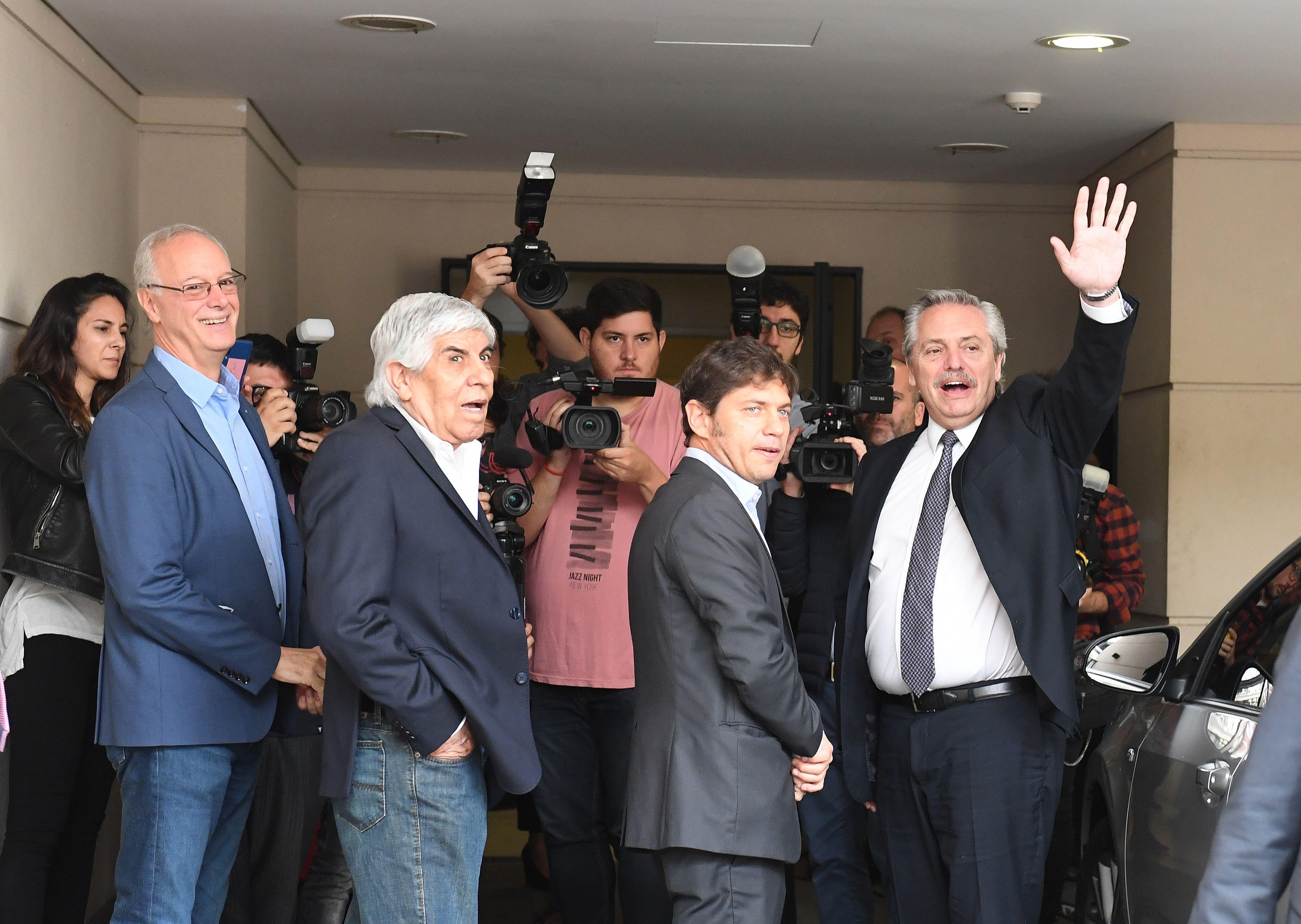 El ministro de Salud Bonaerense, Daniel Goyán; Hugo Moyano, Axel Kicillof y Alberto Fernández (Foto: Maximiliano Luna)
