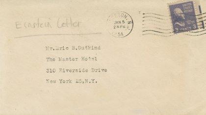 El sobre que contenía la carta en la que Albert Einstein le respondía a Eric Gutkind por su libro sobre religión