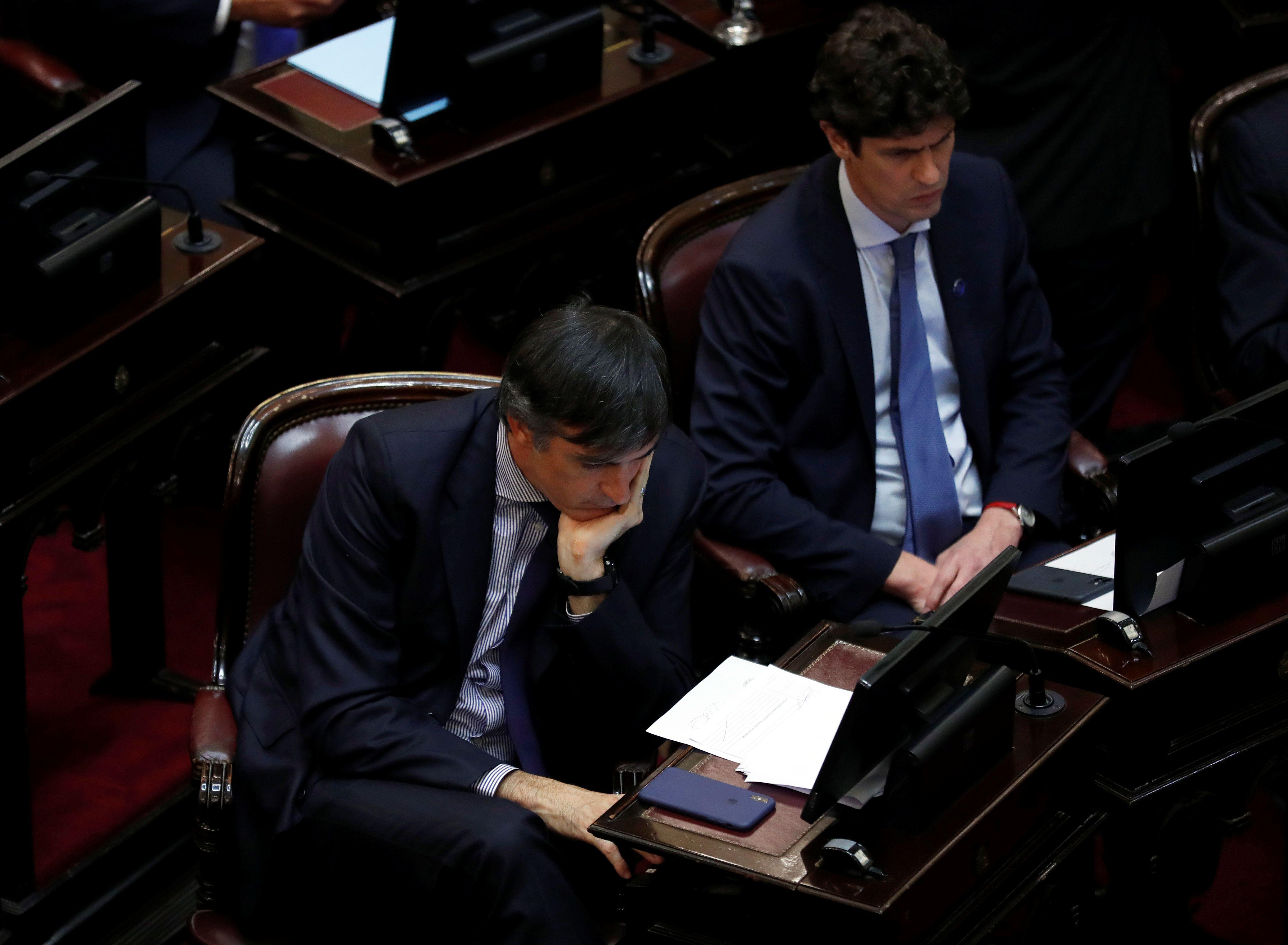 Los senadores Esteban Bullrich y Martín Lousteau (REUTERS/Agustin Marcarian)